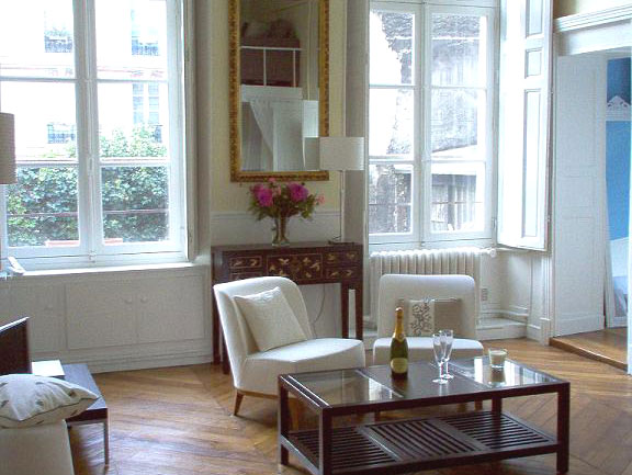 Montmartre Apartment. Temple Apartment In Paris